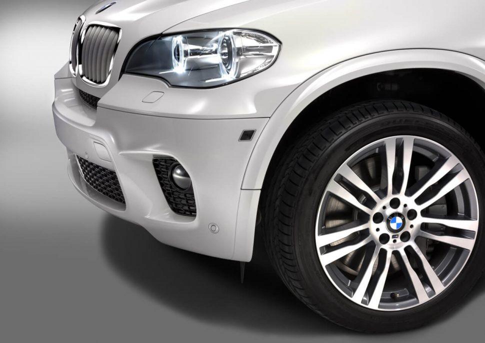 2011-BMW-X5-M-rims-bumber