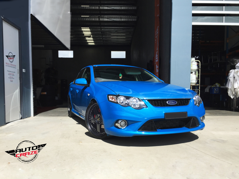 Ford Falcon XR6 with Simmons FR-1