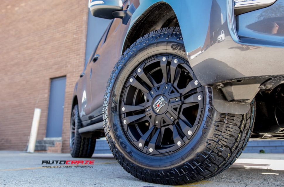 Toyota Prado KMC Monster 2 Toyo Open Country Front Fitment Close