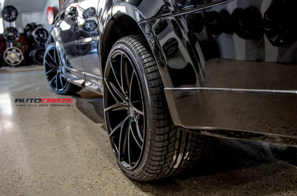 range rover sport with niche misano wheels and achilles tyres rear wheel close up shot march 2018