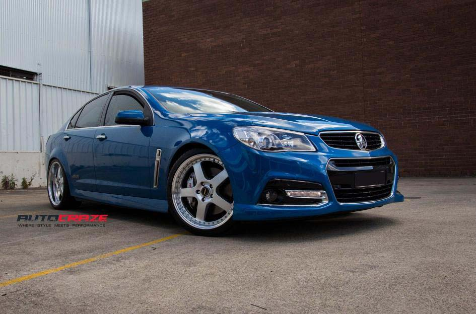 Holden Commodore with Simmons FR 1 Silver alloy wheel and Kumho tyre front wide angle shot february 2018