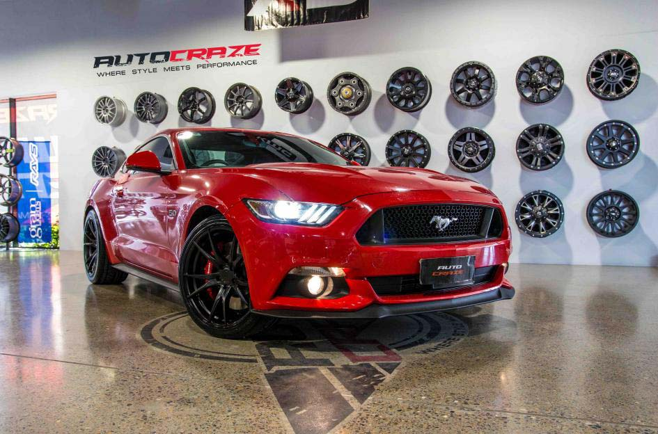 ford mustang with Koya SF06 alloy wheel and pirelli tyre front wide angle shot february 2018