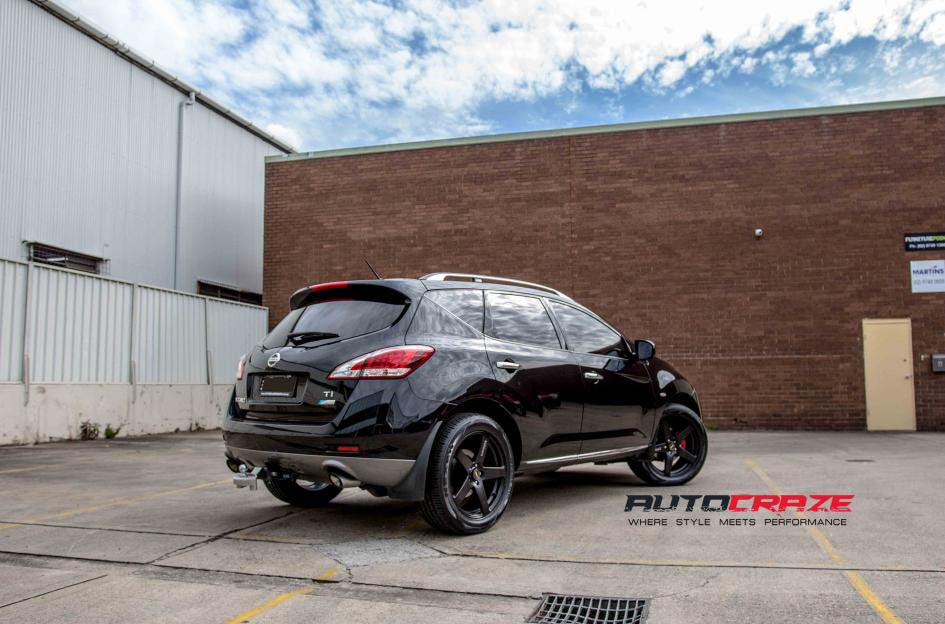 Nissan Murano with Simmons FRC wheels and Nexen tyres rear wide angle shot february 2018