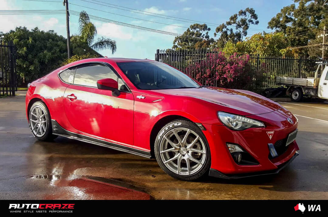 RED TOYOTA 86 NICHE TARGA SILVER MACHINED FACE WHEELS FRONT SHOT