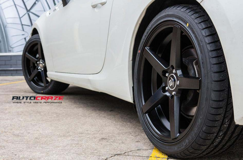 Toyota 86 with V8 WHEELS and MICHELLIN TYRE REAR WHEEL CLOSEUP SHOT FEBRUARY 2018