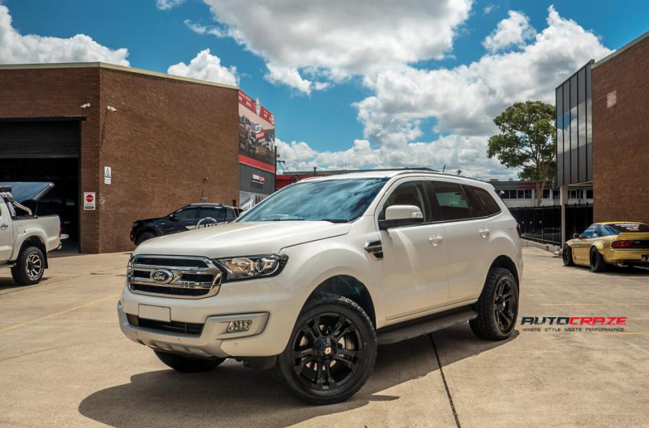 White Ford Everest Diesel Brooklyn 4x4 Wheels Nitto Terra Grappler Tyres Front Close Shot