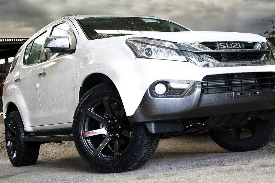 Isuzu_Rims_and_Tyres_AutoCraze