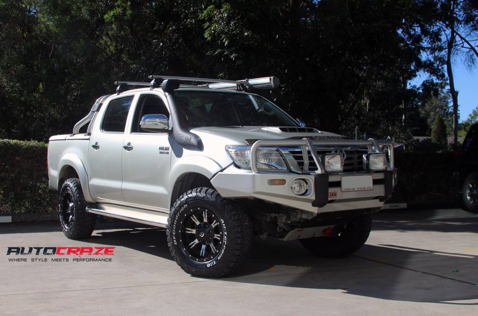 toyota_hilux_wheels_and_tyres_packages_autocraze