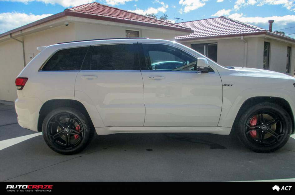 13Jeep Grand Cherokee with SSW Revenge Wheels and Pirelli Tyres Side Fitment Shot Janurary 2018_large