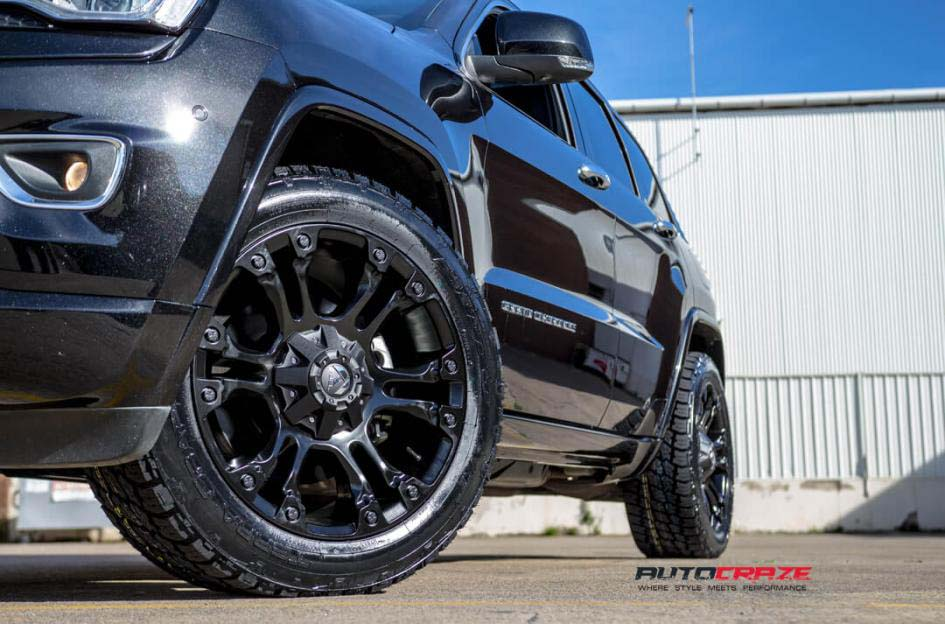 Grand Cherokee with Fuel Vapor wheels and Nitto terra grappler tyre front wheel close up shot february 2018