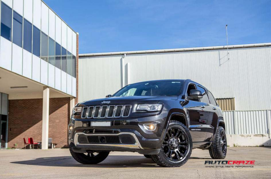 Grand Cherokee with Fuel Vapor wheels and Nitto terra grappler tyre front wide angle shot february 2018