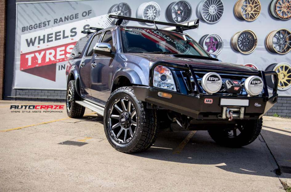 Isuzu Dmax Grid Gd05 wheel nitto terra grappler tyre front wide angle shot february 2018