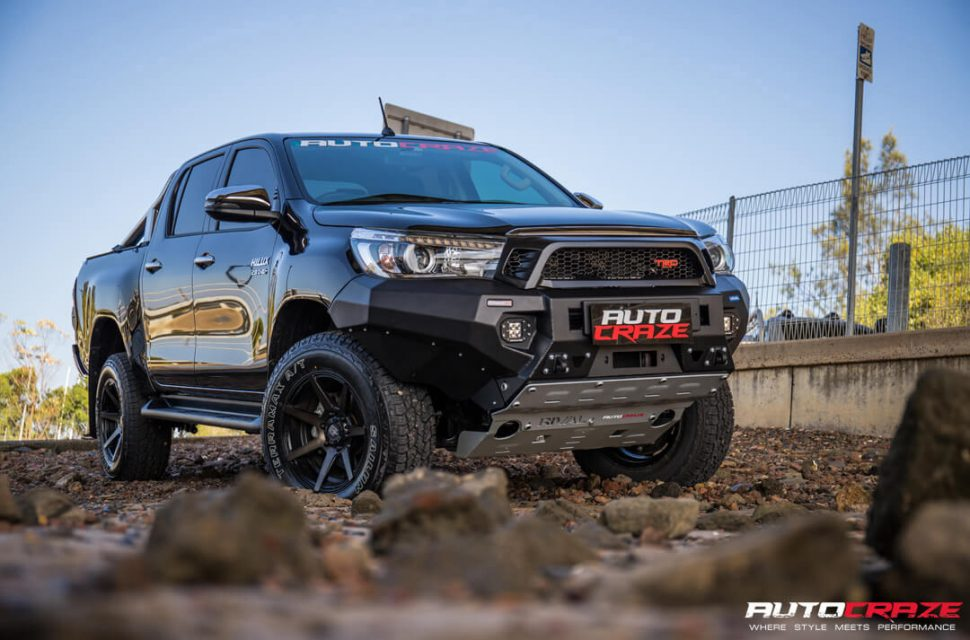 Toyota Hilux Diesel Avalanche Wheels Lift Kit, Rival Bar Front Far Shot Gallery March 2018
