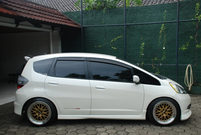 Honda Jazz Rims Best Honda Jazz Wheels And Tyres