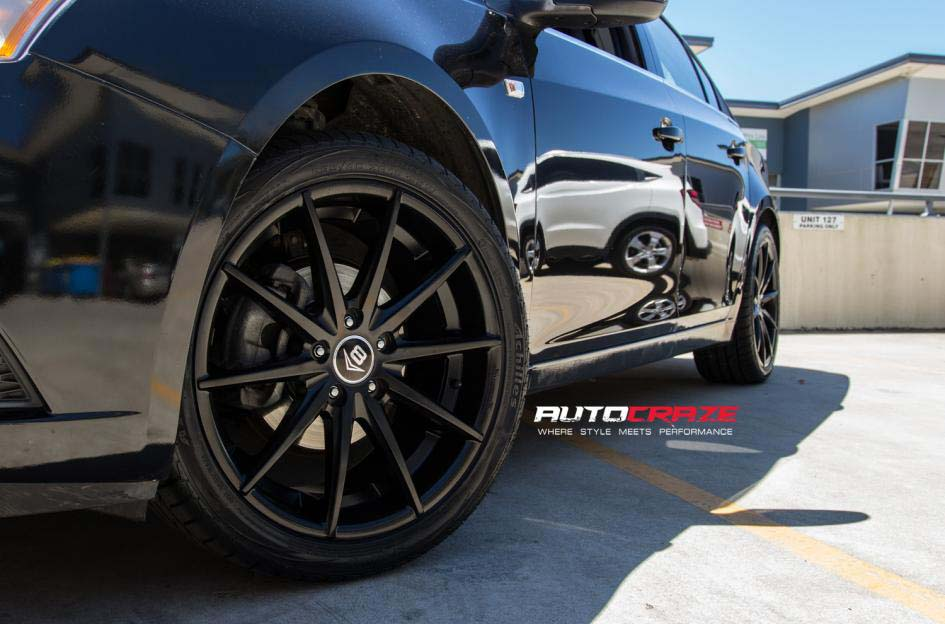 holden cruze with v8 concave wheel and achilles tyre front wheel cloes up shot february 2018
