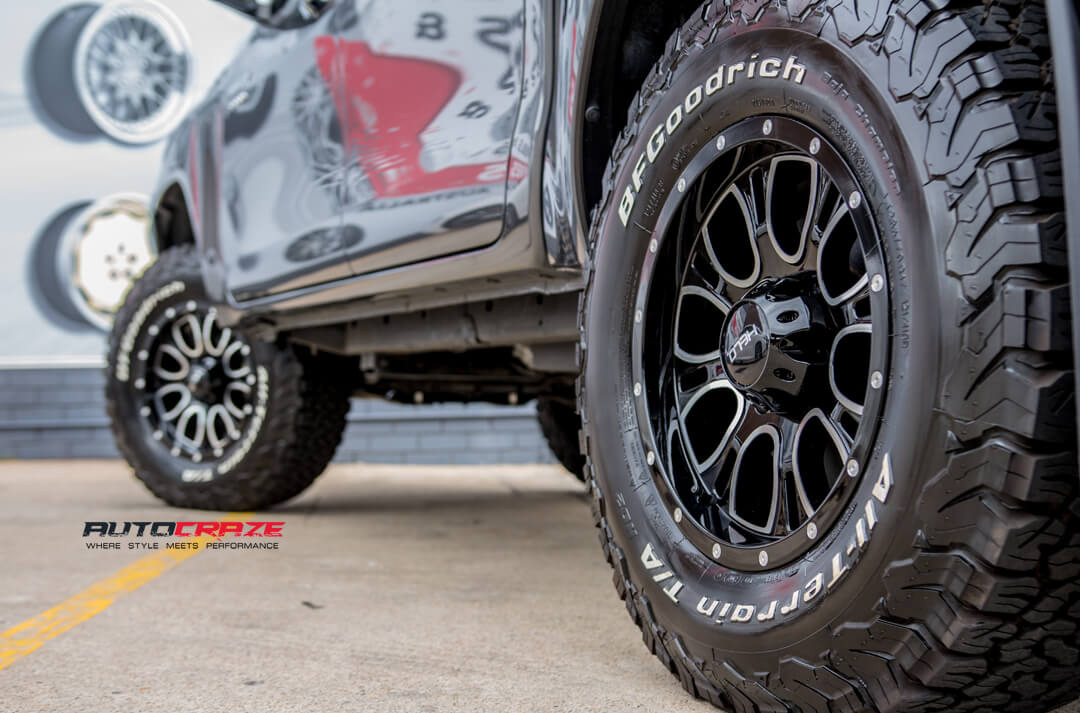 Toyota Hilux HELO HE879 Wheels BF Goodrich Tyres Rear Fitment Close Up Shot Gallery Janurary 2018