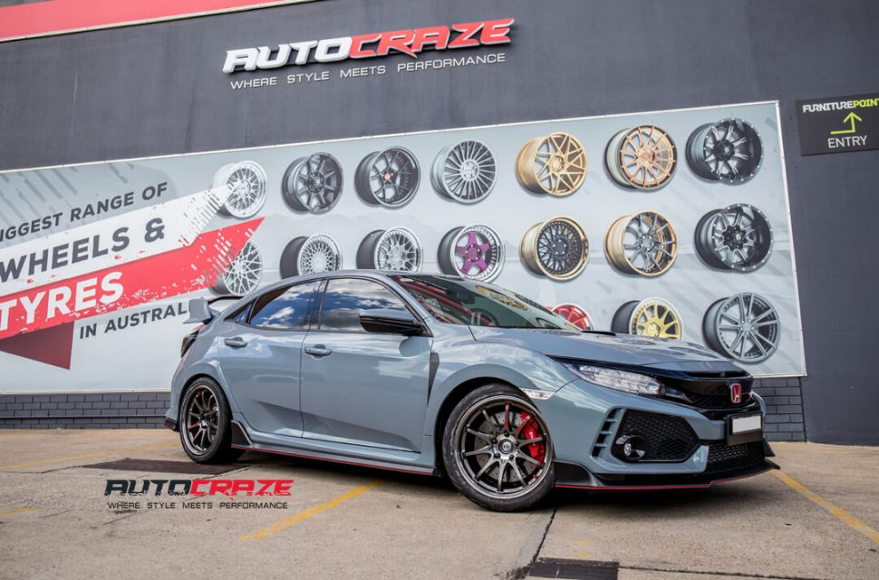 Honda Civic Rays CE28SL Wheels Front Close Shot Gallery March 2018