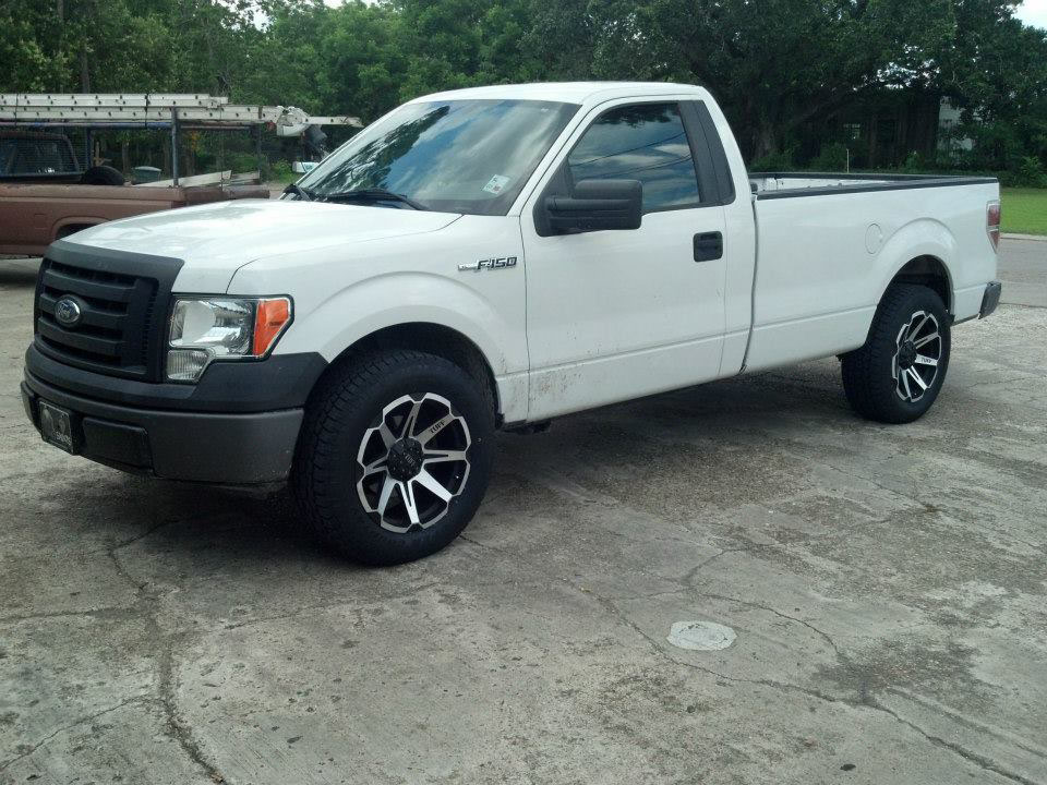 White Ford F150 Tuff T05 wheels front shot