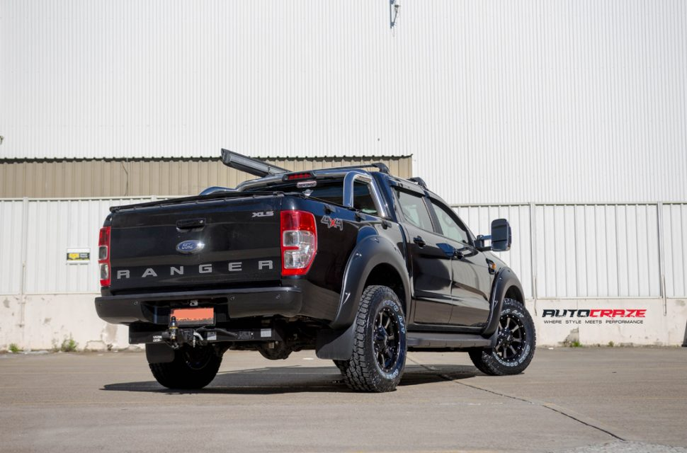 Ford Ranger with Moto Metal mo970 wheel and toyo tyres rear wide angle shot march 2018