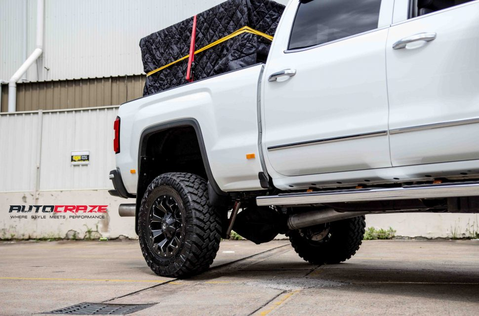 GMC Sierra with Fuel Assault wheel and nitto trail grappler tyre rear wheel close up shot march 2018