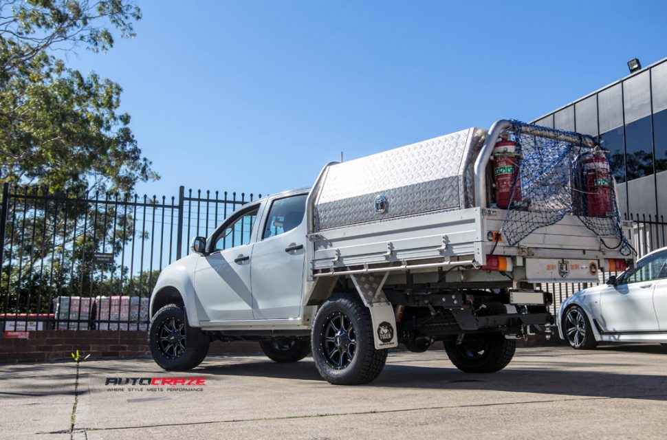ISUZU DMAX with MOTO METAL mo970 wheel and nitto tyre rear wide angle shot march 2018