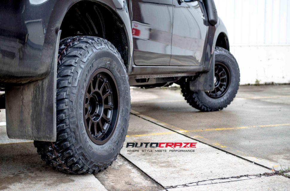 Isuzu Dmax with Moto Metal MO971 wheel and bridgestone tyre rear wheel close up shot march 2018