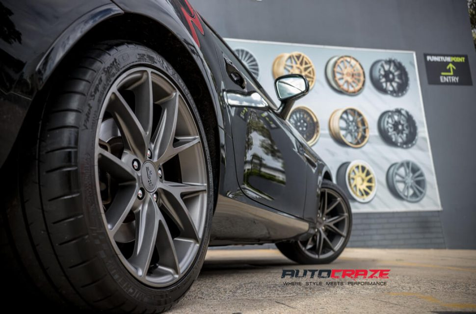 Mercedes SLK 350 Niche Misano Wheels Michelin Tyres Rear Fitment Close Up Shot Gallery March 2018