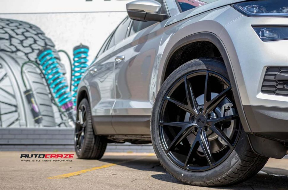 SKODA KODIAQ WITH NICHE MILANO WHEEL AND GOODYEAR TYRE FRONT WHEEL CLOSE UP SHOT MARCH 2018
