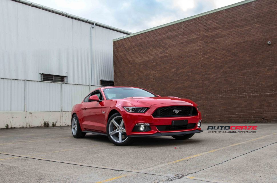 Ford Mustang niche milan wheel front wide angle shot may 2018