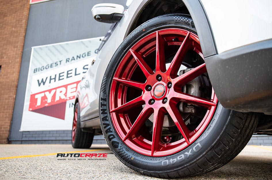 Nissan X Trail with SSW Nurberg Candy Apple Red Wheels Front Fitment Close Up Shot Gallery April 2018