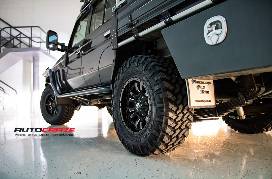 Toyota Landcruiser Fuel Sledge Wheels Nitto Tyres Rear Fitment Close Up Shot Gallery May 2018
