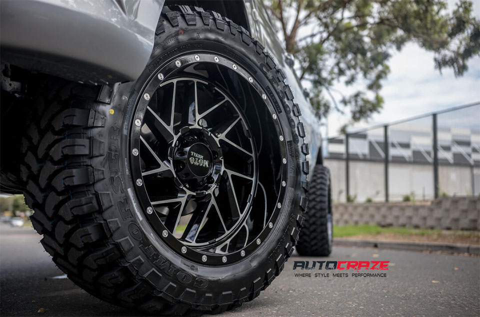 Mazda BT-50 Accessories Moto Metal MO985 Wheels Front Fitment Close Up Shot February 2018