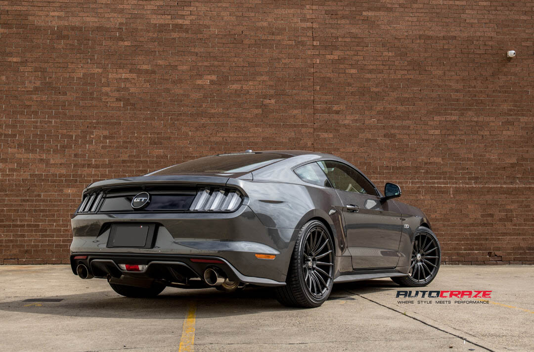 Ford Mustang Asanti ABL14 Wheels showing the rear exhaust
