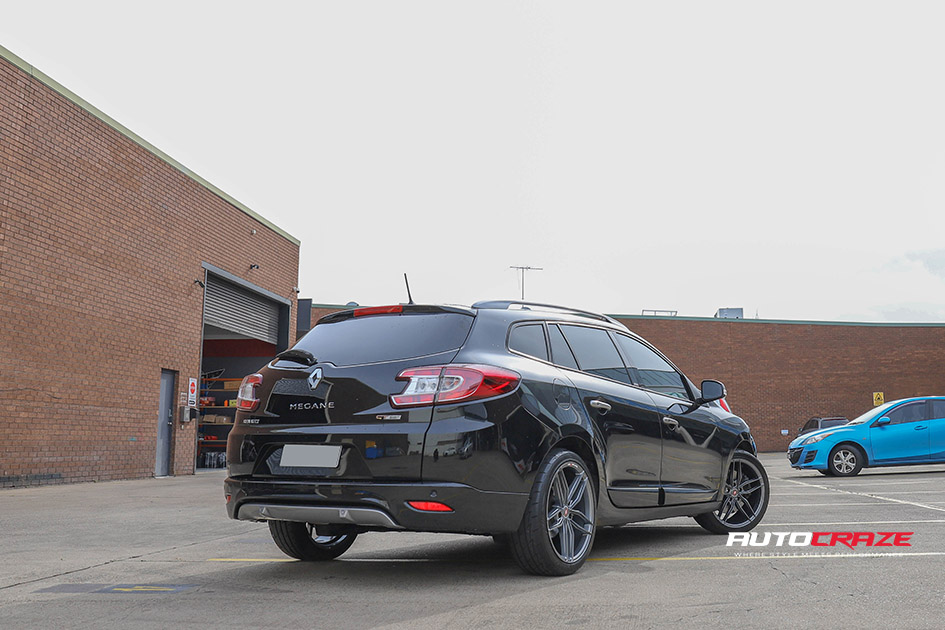 Black Renault Megane Inforged IFG37 wheels rear shot gallery May 2020
