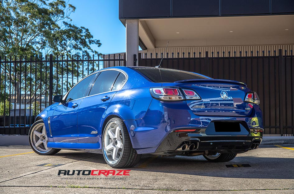 Holden Commodore Detroit White Machined Lip Wheels Rear Close Up Shot Gallery April 2019
