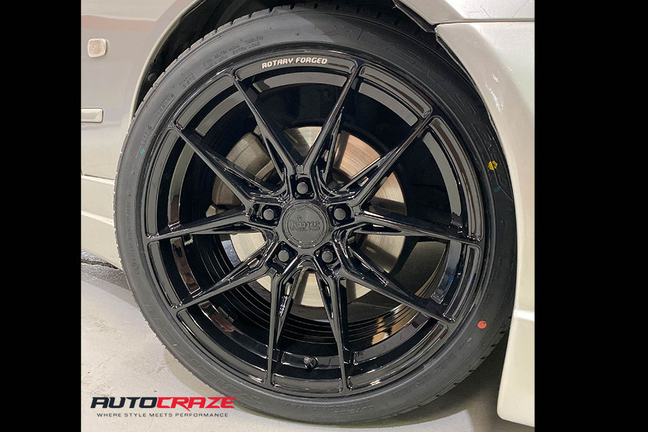 Lexus IS200 King Toxin Wheels Front wheel close up Shot Gallery April 2020
