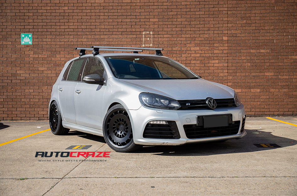 Golf R Rotiform CCV Wheels Grenlander Tyres Front Close Up Shot