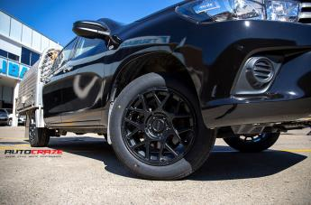 TOYOTA HILUX 4WD BULLY KM708 SATIN BLACK  small