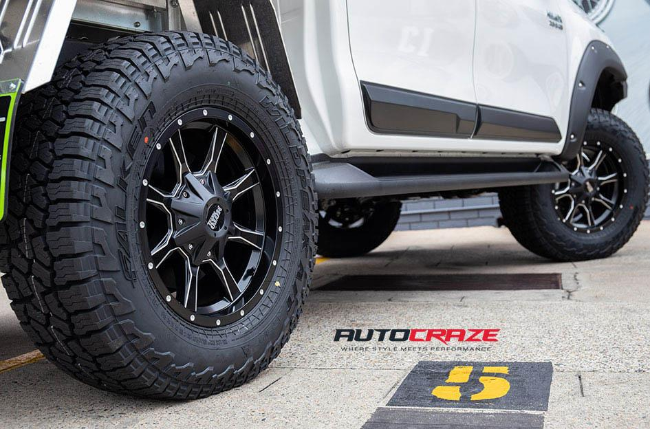 TOYOTA HILUX 4WD MO970 SATIN BLACK MILLED ACCENTS