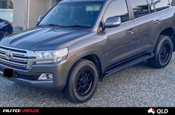 Toyota LANDCRUISER HURRICANE SATIN BLACK