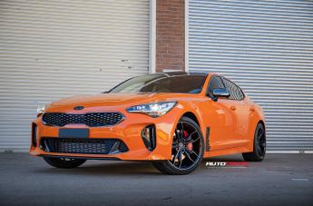 Kia STINGER IFG32 GLOSS BLACK