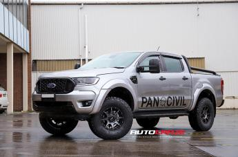 Ford RANGER TROPHY MATTE BLACK W/ BLACK BOLT GRAPHITE FACE
