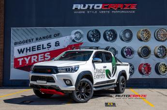Toyota HILUX 4WD VAPOR BLACK MACHINED WITH DARK TINT