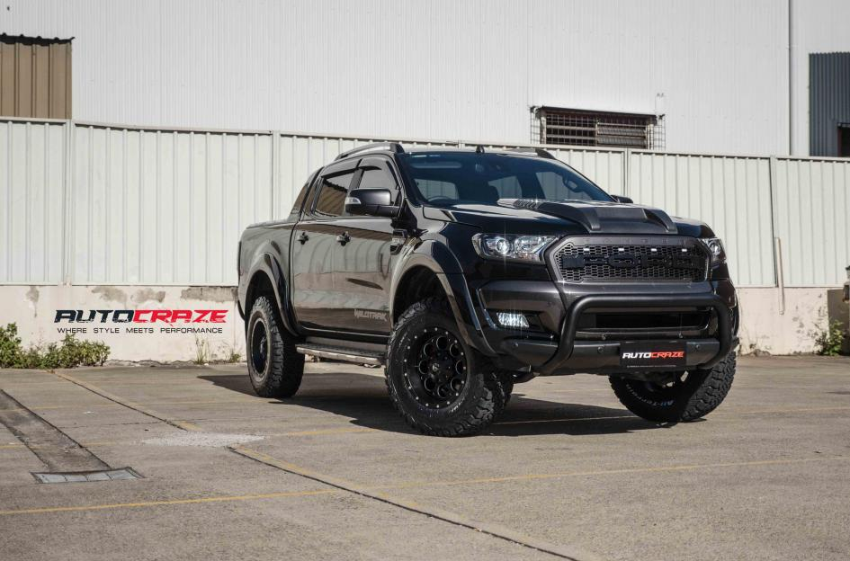 FORD RANGER REVOLVER GLOSS BLACK WITH MILLED ACCENTS | Car ...