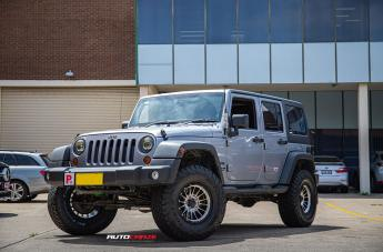 Jeep WRANGLER IMPACT KM542 SATIN BLACK MACHINED FACE