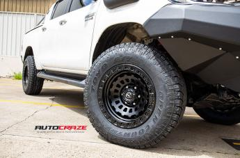 TOYOTA HILUX 4WD ZEPHYR MATTE BLACK  small