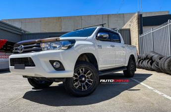 Toyota HILUX 4WD FLORIDA MACHINED FACE BLACK MATTE GREY TINT