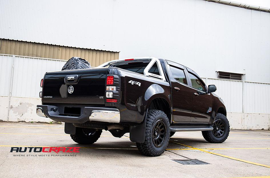 HOLDEN COLORADO VECTOR MATTE BLACK