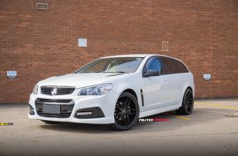 Holden COMMODORE IFG37 BLACK