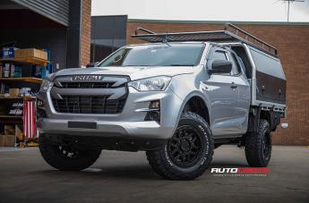 Isuzu DMAX KM544 MESA SATIN BLACK GLOSS BLACK LIP